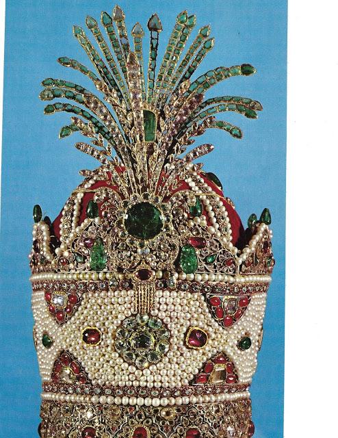 large-crown-2