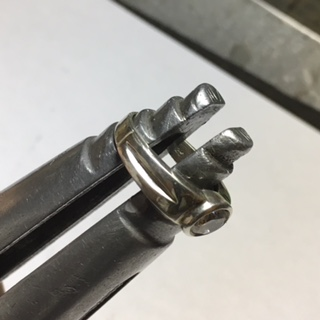 #17-end-ring clamp